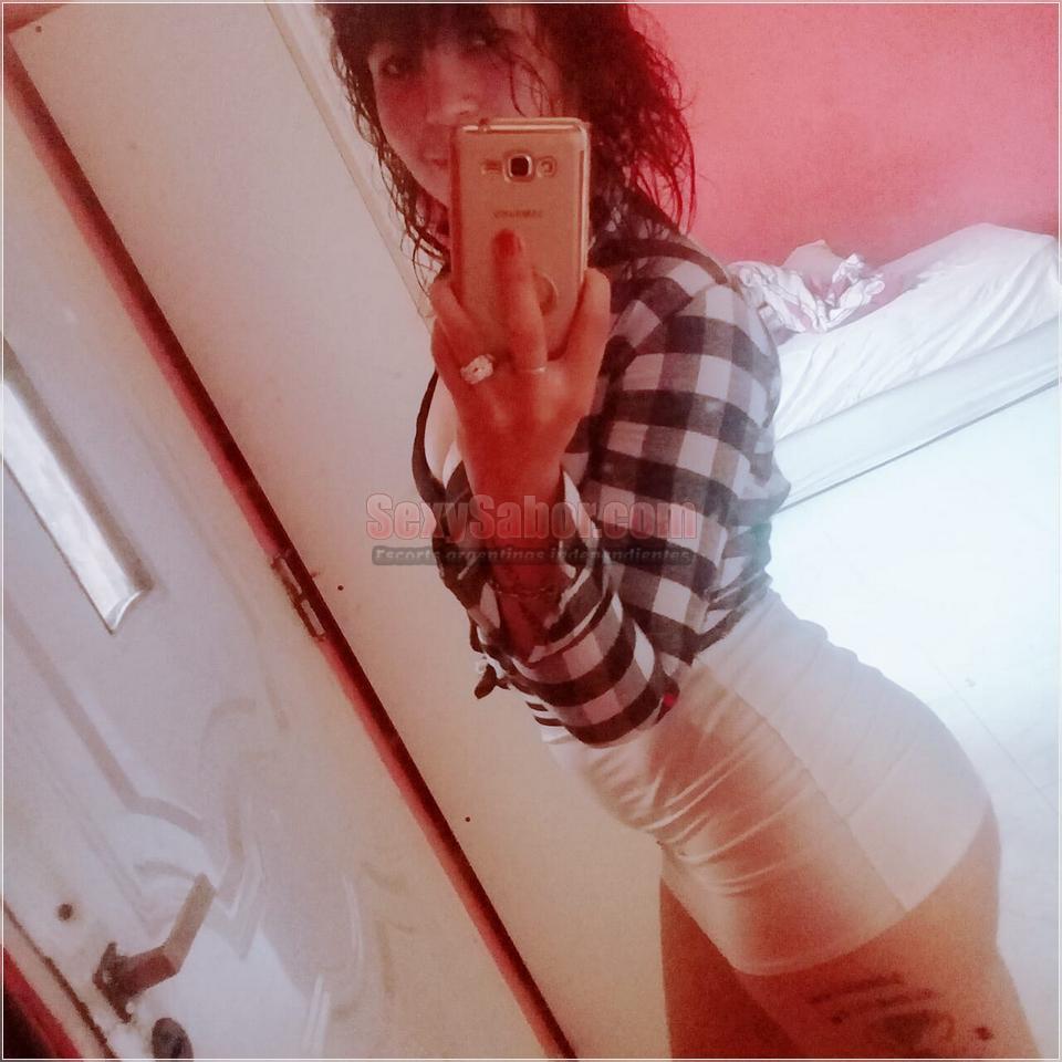 Laura 15-6940-9088