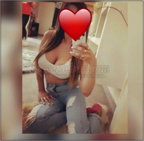Renata y Clarita 15-3106-3700