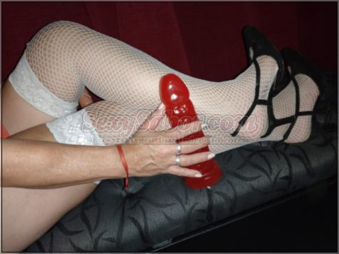 Vicky 15-4972-9131
