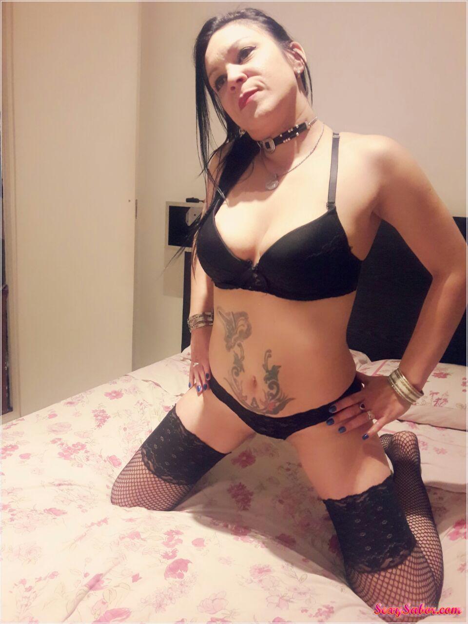 Vikky Hot 15-4928-3883
